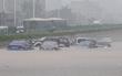 Trung Quốc: Người dân Quảng Châu khốn đốn vì trận mưa lụt đầu hè