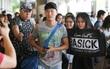 Rapper nổi tiếng xứ Hàn Basick một mình đến Việt Nam, hạnh phúc trong vòng tay chào đón của người hâm mộ