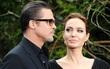 """Angelina Jolie mở tiệc ăn mừng vì được """"giải phóng"""" khỏi Brad Pitt?"""