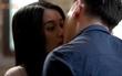 """""""Glee Việt"""" tập 13: Bị bỏ lại giữa lễ đường, cô dâu Tú Vi được Đỗ An hôn an ủi"""