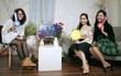 Weather Girls: Làm thế nào khi mẹ chồng thích Minh Hằng còn con dâu thích Hà Hồ?