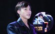 Sơn Tùng M-TP ướt đẫm mồ hôi, hạnh phúc đón sinh nhật muộn cùng fan Hà thành