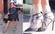 Từ hình ảnh của Rihanna rút ra chân lý: muốn có giày mới, cứ lấy nylon mà bọc vào giày cũ!