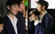 """Đến Việt Nam, tài tử """"Signal"""" Lee Je Hoon rất điển trai nhưng... e ấp bất ngờ"""