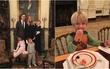 Con cháu Tổng thống Donald Trump khoe ảnh lần đầu tiên ở Nhà Trắng