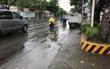 Tránh đứa trẻ băng qua đường, người đàn ông chạy xe máy ngã xuống đất tử vong