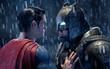"""Dù """"Justice League"""" có không hay thì Batman vẫn hạnh phúc vì đã có Superman ở đây rồi!"""