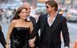 """Angelina Jolie - Brad Pitt đã chấm dứt """"chiến tranh"""" và gặp nhau ở điểm hẹn bí mật?"""