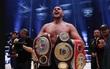 Nhà cựu vô địch quyền Anh hạng nặng thế giới rao bán... tinh trùng