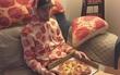 Chỉ vì ghiền pizza, thanh niên này đã làm dậy sóng dân mạng những ngày qua