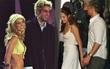 Những khoảnh khắc đắt giá khi sao Hollywood bị bắt gặp ngay trước scandal ngoại tình