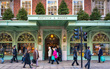 Tồn tại hơn 300 năm giữa London sầm uất, cửa tiệm tạp hóa này vẫn thành công vì 1 lý do duy nhất