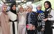 Nếu bạn thắc mắc phụ nữ Hồi giáo mặc gì đi dự Fashion Week, thì đây là giải đáp cho bạn