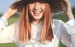 """Hot girl nổi tiếng Thái Lan """"lấy lòng"""" fan Việt khi mặc áo dài, đội nón lá cực xinh"""