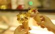 Thử ngay phiên bản Kem dát vàng giá 89.000đ vừa xuất hiện tại Hà Nội