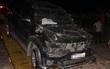 Đà Nẵng: Ô tô nát bươm sau khi đâm sập hàng rào bãi giữ xe trong đêm