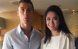 Á hậu Thuỳ Dung khoe nhan sắc bên danh thủ Cristiano Ronaldo