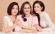 Lý Nhã Kỳ hạnh phúc lần đầu khoe ảnh gia đình 3 thế hệ