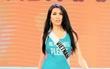 Đại diện Việt Nam - Lệ Hằng nói gì sau sự cố suýt té khi trình diễn bikini tại Hoa hậu Hoàn vũ 2016?
