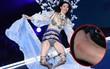 """Lộ ảnh cổ chân sưng to, tấy đỏ của Ming Xi sau cú ngã """"trời giáng"""" tại Victoria's Secret Fashion Show"""