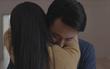 """""""Glee Việt"""" tập 5: Sau sự cố """"tinh trùng nước nóng"""", Rocker Nguyễn bất ngờ ôm hôn Cindy V"""