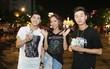 Noo Phước Thịnh cùng rapper Basick làm náo loạn phố đi bộ về đêm