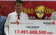 Người phụ nữ đeo mặt nạ nhận giải Jackpot hơn 17 tỷ