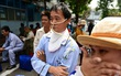 Bệnh nhân đeo ống trợ thở lên xe 0 đồng về quê ăn Tết