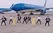"""Khi nhân viên Vietnam Airlines nhảy điệu 'Bống bang': Làn gió trẻ trung thổi vào """"lão tướng"""""""