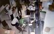 Clip cảnh kẻ cướp tấn công ngân hàng ở Trà Vinh