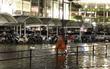 Hà Nội mưa rào và dông, bãi đỗ xe ở siêu thị Aeon Mall Long Biên ngập nước