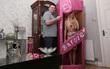 Diện kiến những nàng búp bê Barbie đóng hộp phiên bản lỗi