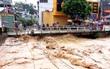 Hà Giang: Lũ ống cuồn cuộn như thác đổ tràn xuống đường