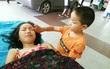 Một mình đưa chị gái vào bệnh viện, cậu bé 7 tuổi đã nói một câu khiến nhiều người rơi nước mắt