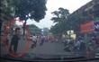 """Bắt khẩn cấp đối tượng dàn cảnh va quệt giao thông để """"xin đểu"""" tài xế trên phố Hà Nội"""