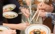 """Mì '""""lạc trôi"""" - món ăn độc đáo chỉ có tại Nhật Bản"""