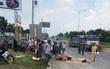Đôi nam nữ bị bánh xe tải cán tử vong, tài xế bỏ trốn khỏi hiện trường