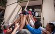 Khung cảnh đổ nát tan hoang tại Mexico sau động đất: Nhà sập, hơn 100 người thiệt mạng và những tiếng kêu cứu từ khắp nơi
