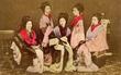 """400 năm trước, những cô gái bán phấn buôn hương ở Nhật Bản đã có thu nhập """"khủng"""": 9 tỷ/năm"""