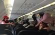 """Máy bay trục trặc, gần 200 hành khách bị """"nhốt"""""""