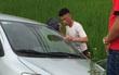 Hiệp Gà mất lái, đâm xe xuống ruộng ở Quảng Ninh