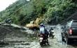 Mưa lũ gây sạt lở đất, tắc nghẽn giao thông tại Điện Biên