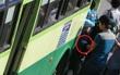 TP.HCM: Hành khách bị quấy rối trên xe buýt, gọi 1022