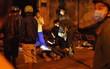 Nam thanh niên tử vong bên đường, trên tay cầm bơm kim tiêm