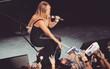 """Dân tình hết hồn vì khả năng """"ngồi ghế vô hình"""" của Mariah Carey"""