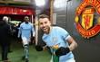 Man City hơn Man Utd tới 11 điểm, đi vào lịch sử Ngoại hạng Anh