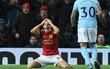 Mourinho đổ lỗi cho trọng tài, chê Man City ghi bàn xấu xí