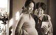 Chỉ sau gần 10 tháng công khai hẹn hò, Lee Dong Gun và Jo Yoon Hee đã chính thức chào đón con gái đầu lòng
