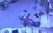 Sự thật câu chuyện hai đối tượng trộm gương xe bị nhân viên nhà hàng song phi hạ gục
