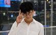 """Clip: Nonkul - """"nam thần Bad Genius"""" xuất hiện cực điển trai ở sân bay Tân Sơn Nhất"""